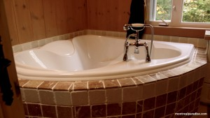 Jacuzzi Tub at the Cottage