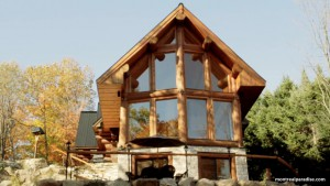 Log Home Cottage in the Laurentians