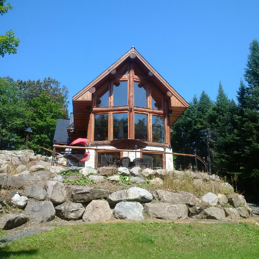 Montreal cottage rental in the laurentian mountains for Laurentian mountains cabin rental